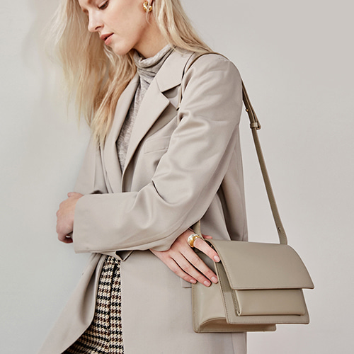 Classic Bag Medium Sand Beige  품절