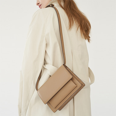 Classic Bag Medium Beige [Restock 10%] 입고완료 (정상가 258000원)